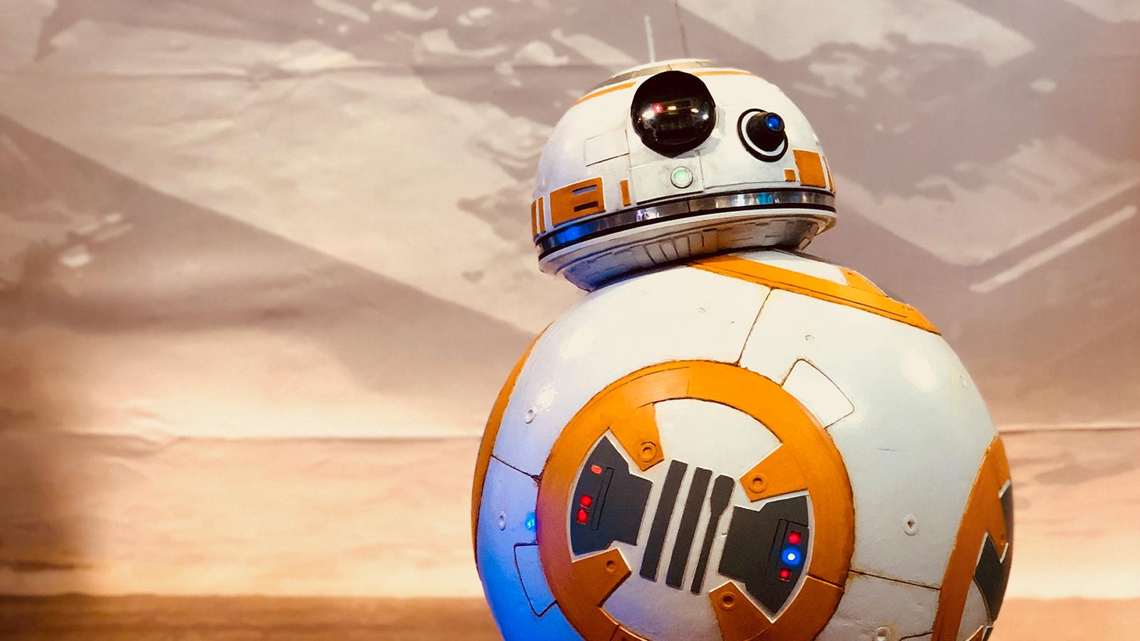 Stand Planète Star Wars, prenez-vous en photo avec BB-8 !