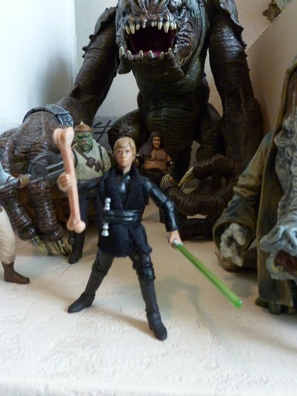 Photo 35 - Le Palais de Jabba. Le rancor avec Luke.