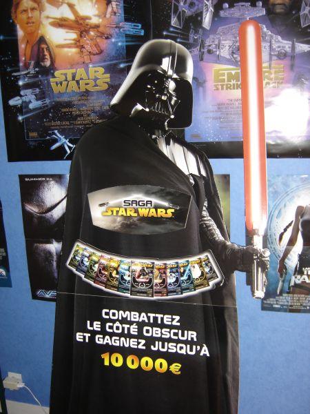 Photo 3 - un PLV Darth Vader