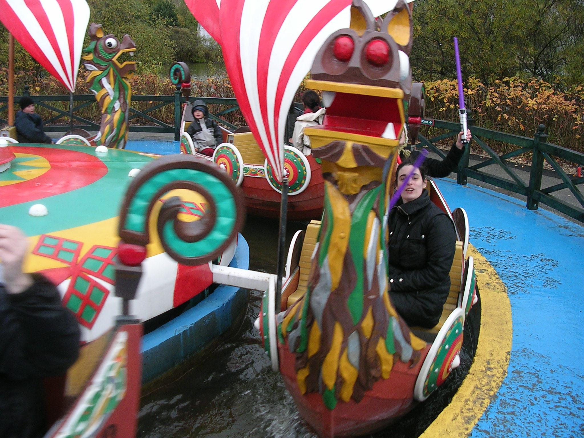 Photo 30 - Kenda est dans un bateau...