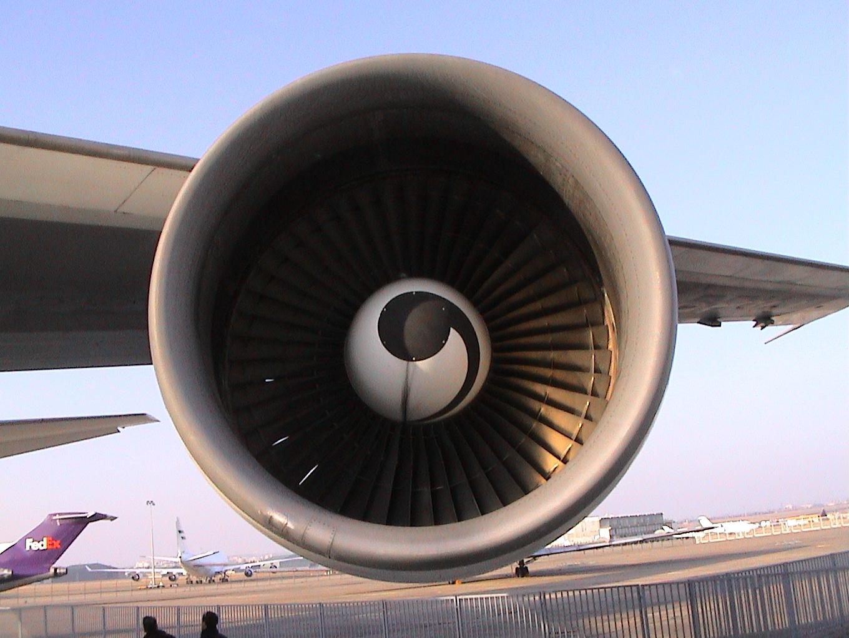Photo 9 - Encore un réacteur de 747