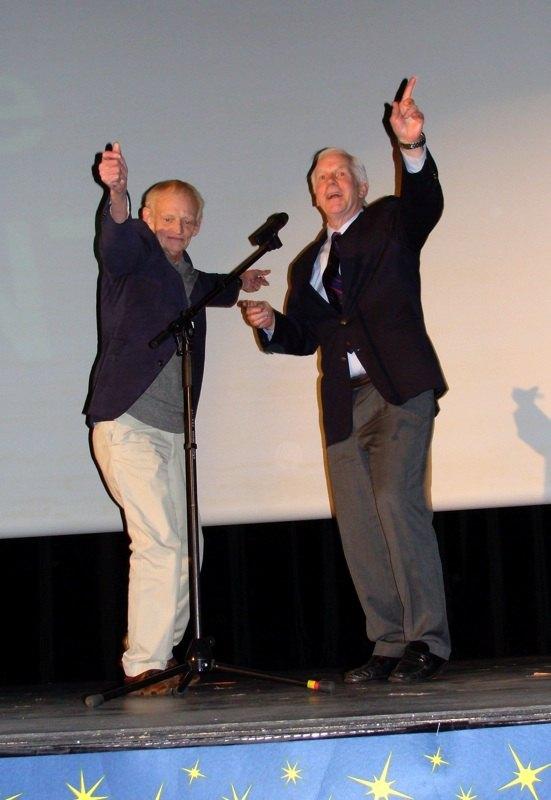 Photo 7 - Rober Watts et Jeremy Bulloch (Boba Fett) mettent le feu!