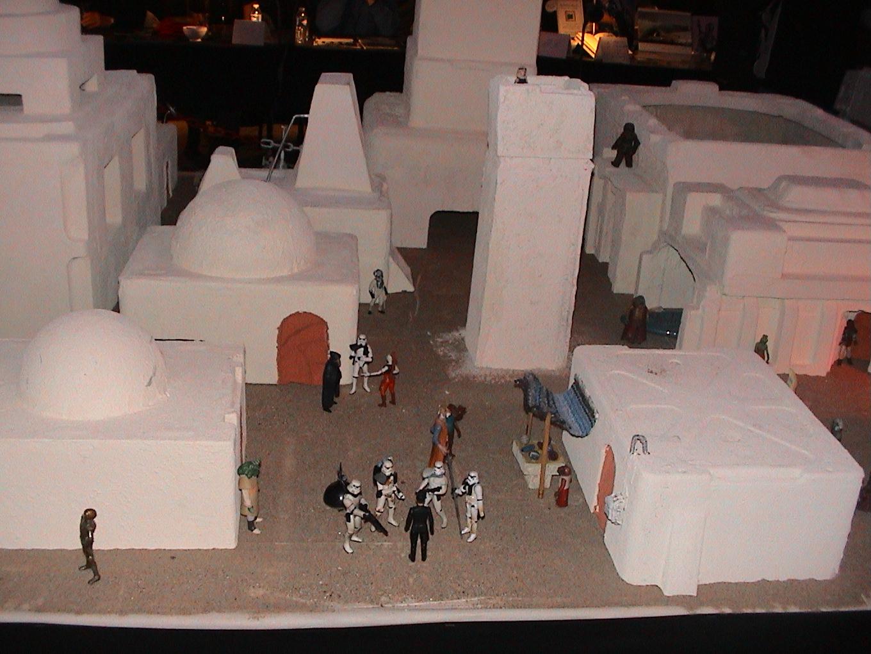 Photo 44 - L'Empire veuille sur Mos Esley