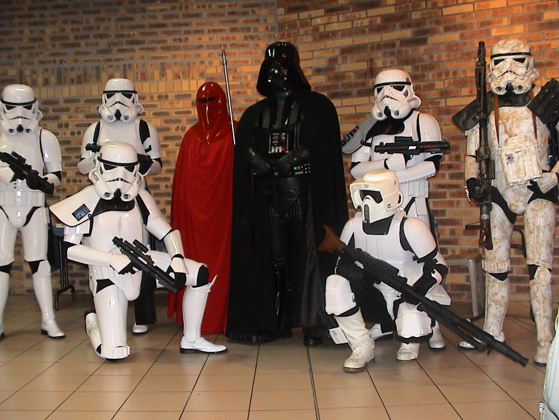 Photo 99 - L'Empire pose.