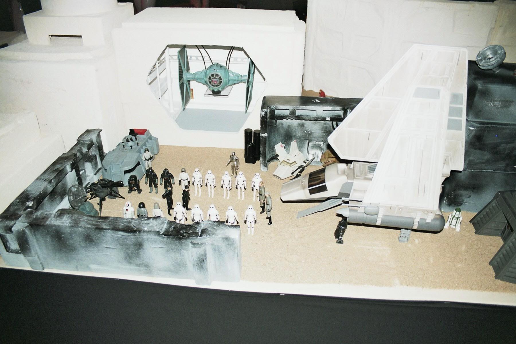 Photo 121 - L'Empire débarque!