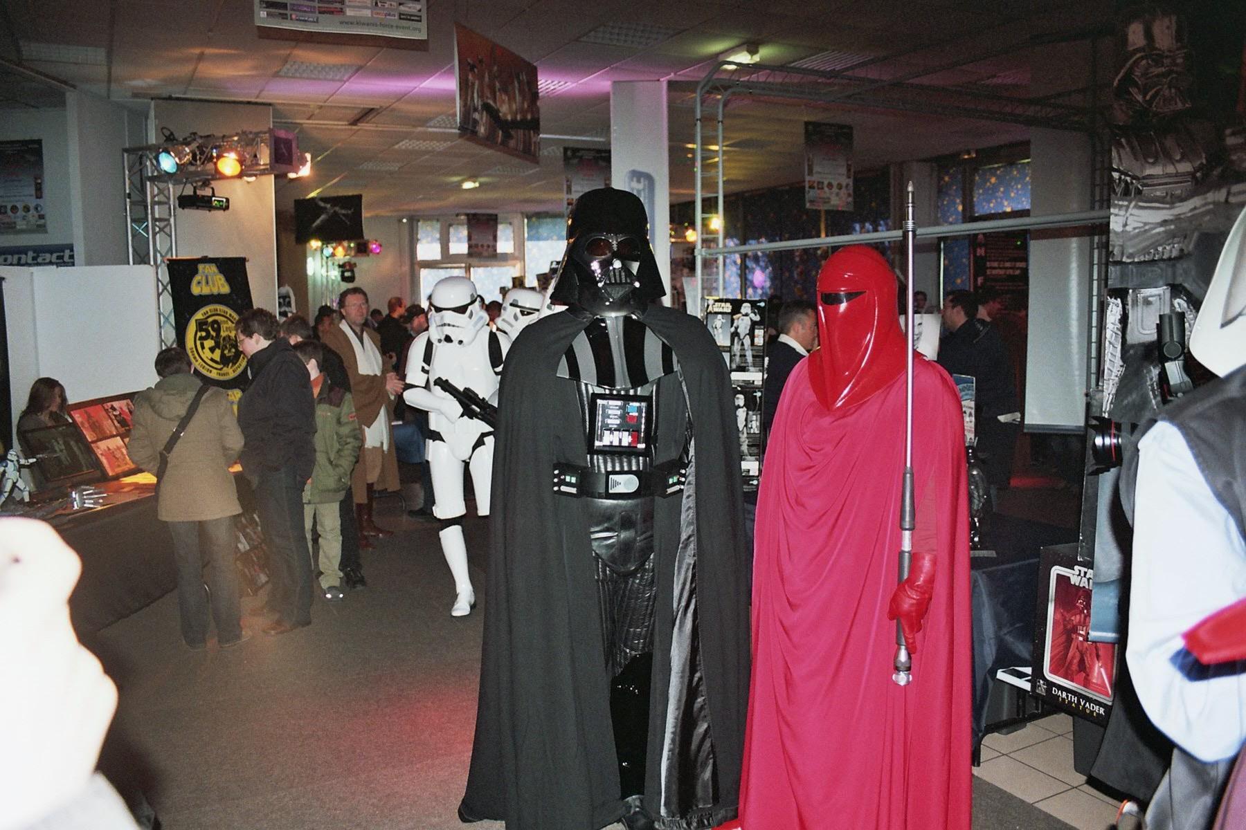 Photo 126 - Darth Vader pose