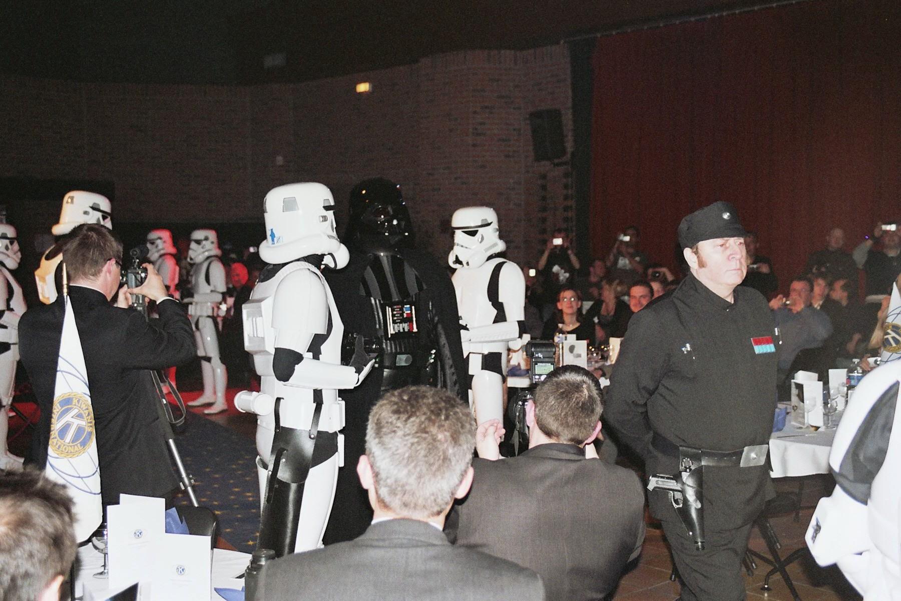 Photo 136 - Darth Vader arrive