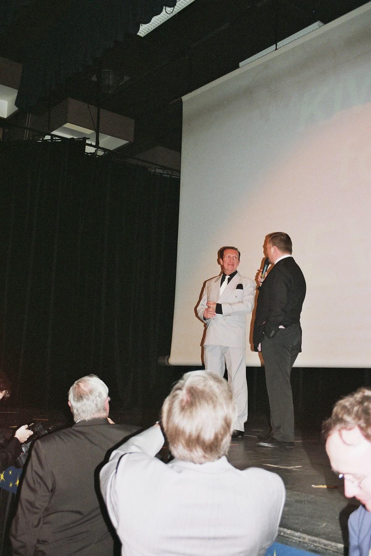 Photo 140 -  Barrie Holland (Lieutenant Rentz) et Mark Dermul