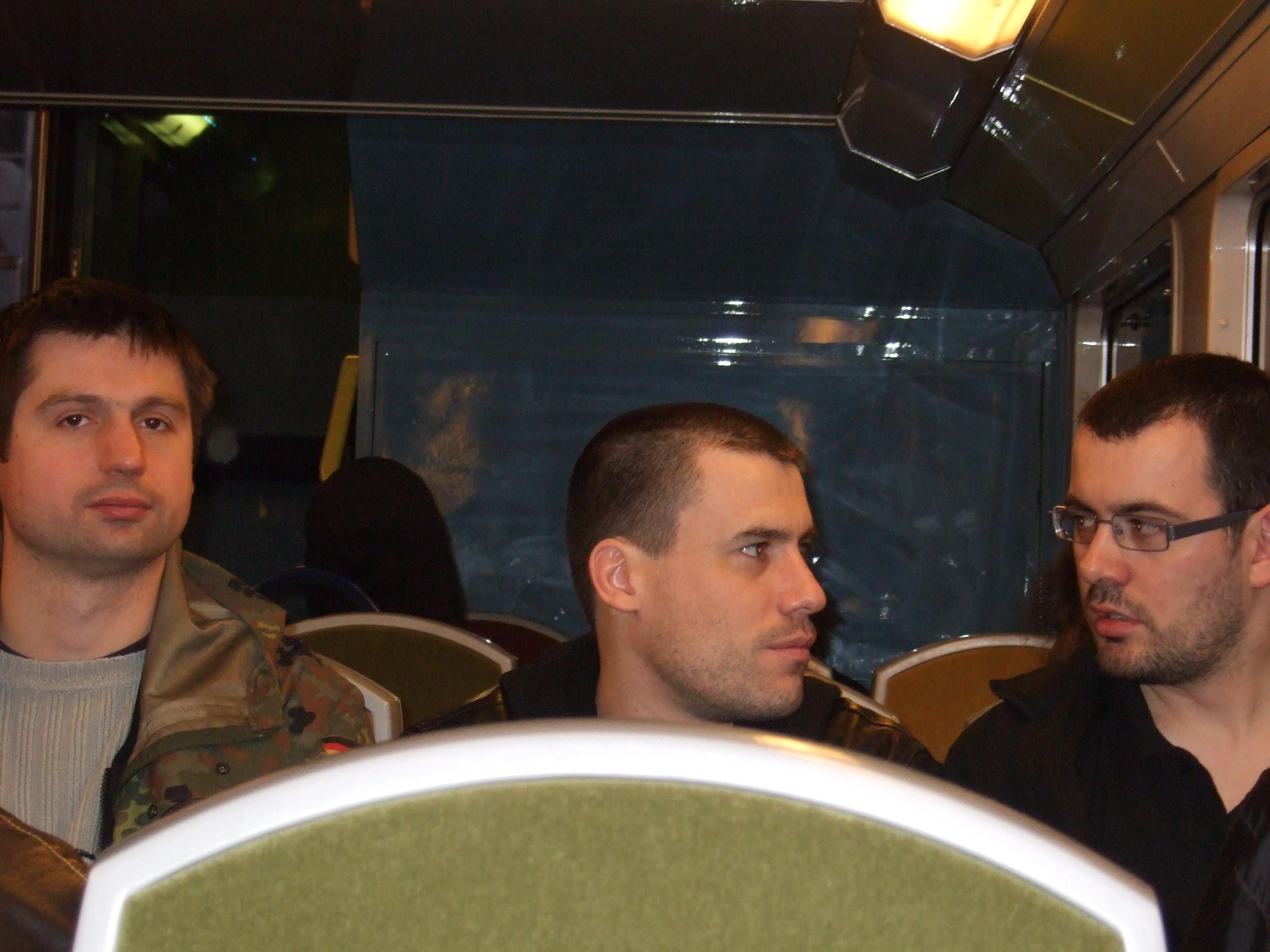 Photo 23 - 3 Empereurs Sith sont dans le RER
