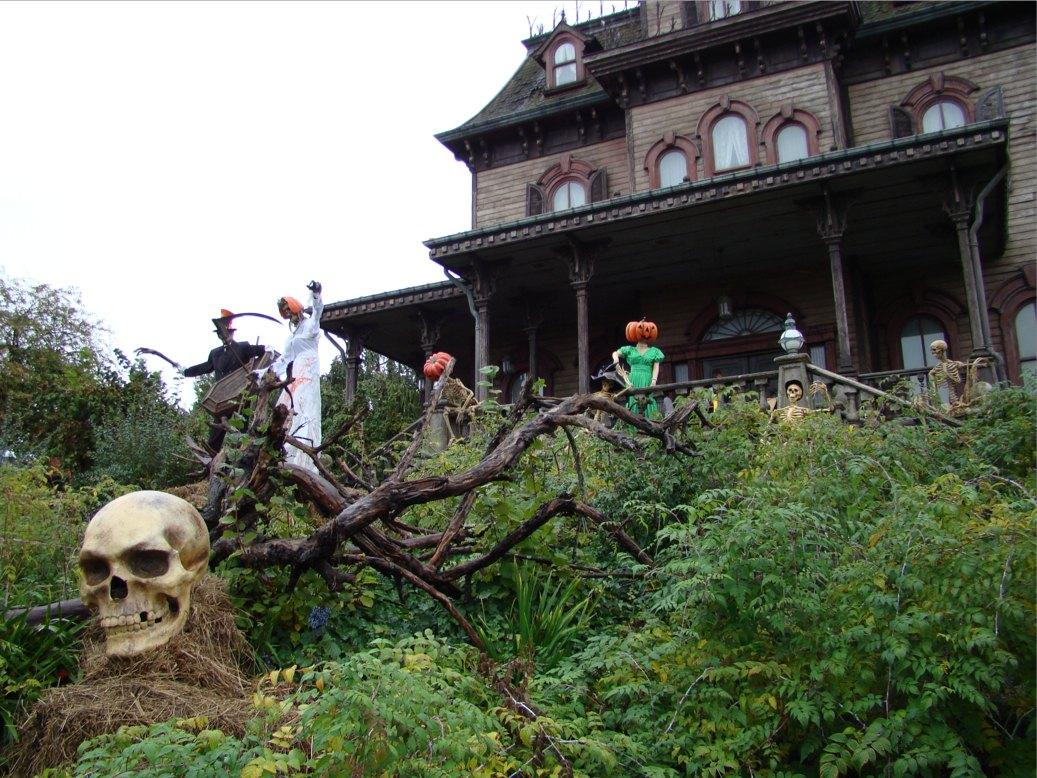 Photo 147 - L entrée de la maison hantée!
