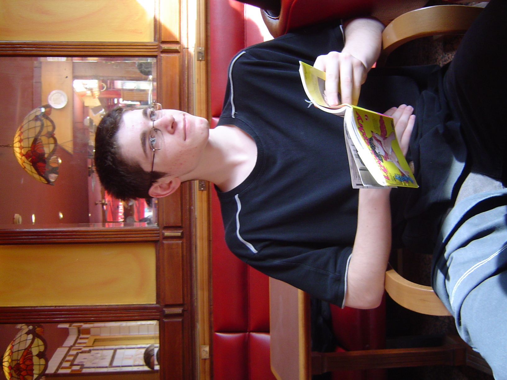 Photo 29 - Tom en pleine lecture