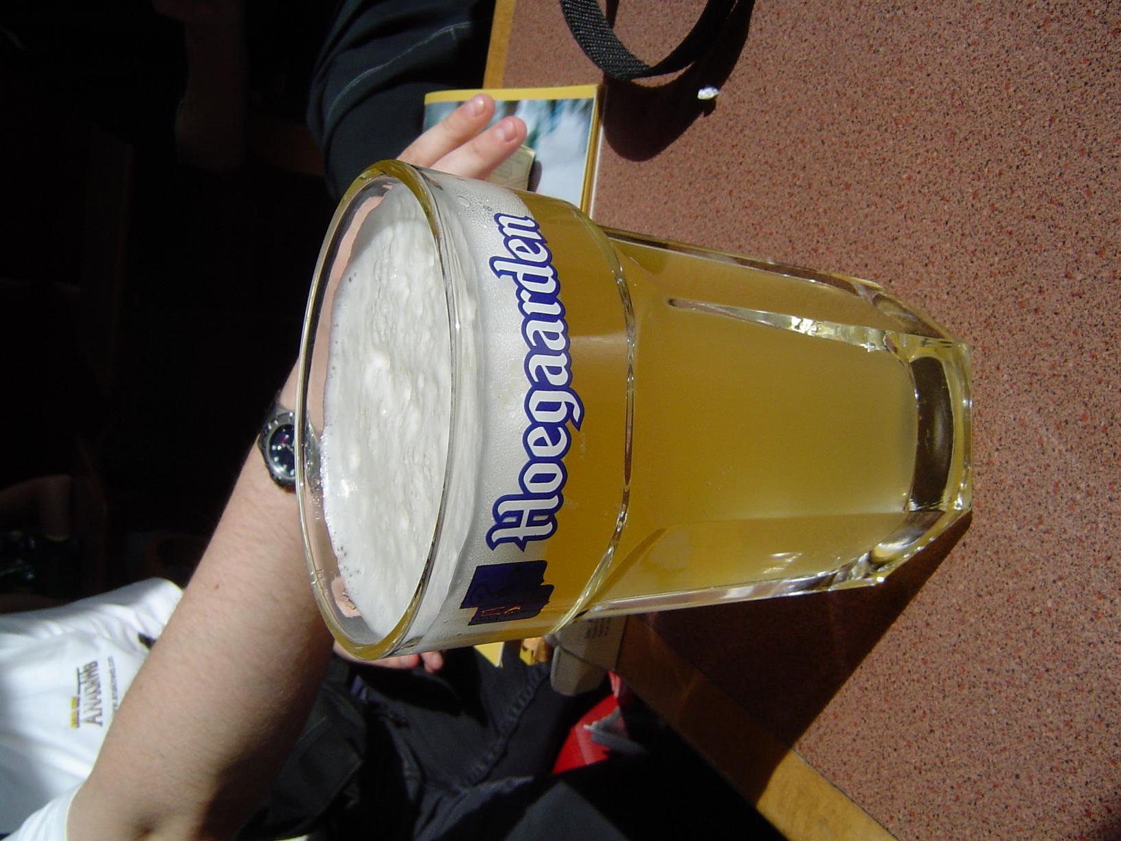 Photo 32 - Skarn boit à la santé de Jojo