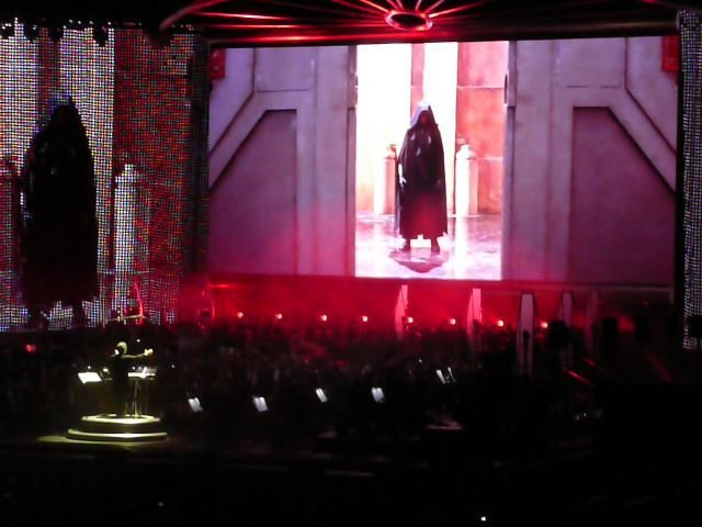 Photo 7 - Darth Maul arrive!