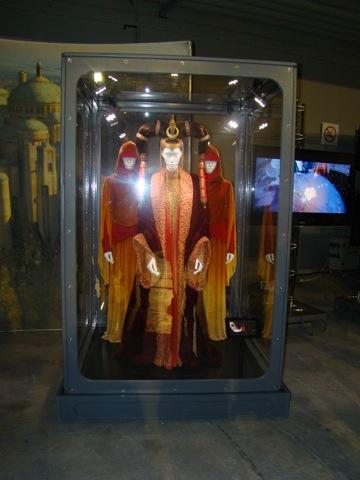 Photo 36 - La Reine Amidala et ses suivantes