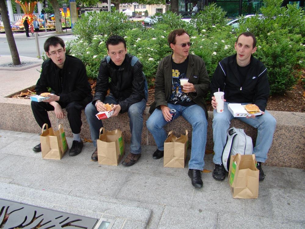 Photo 13 - Joorus, obiwan931, darkalain et Alpha13 à table