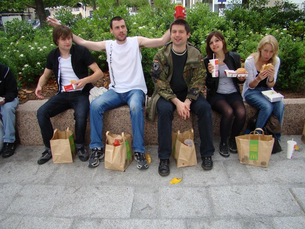 Photo 14 - anakin07, Joruus29, Kardass, jenna-malyo, et Mara_Jade à table