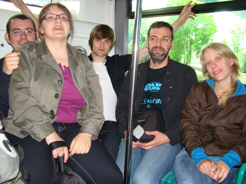 Photo 23 - boba.fett7, Padmeia, anakin07, c3po75, et Mara_Jade dans le bus